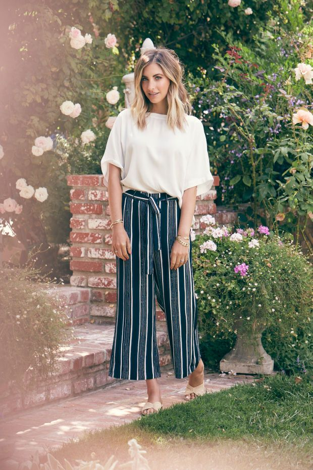 a046f42bc16a7bda039b3da30588171b--stripe-pants-wide-leg-cropped-pants-outfit